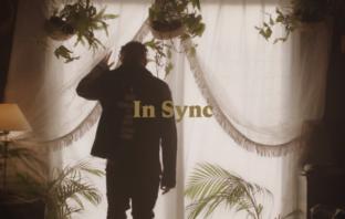 Crayon – In Sync video